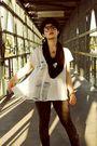 White-xxi-forever-shirt-gray-bdg-bra-gray-xxi-forever-leggings-black-ameri