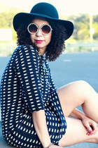 black vintage hat - navy Gap dress - black Zara heels