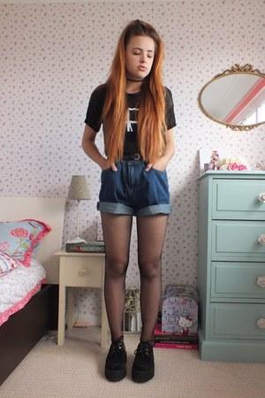 navy denim Tomtop shorts - black fishnet Pamela Mann tights