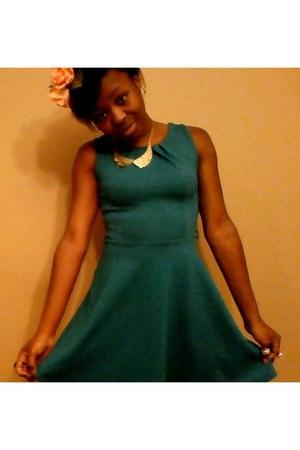 turquoise blue Primark dress - flower wreath DIY hair accessory - H&M ring