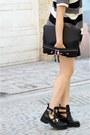 Black-leather-boots-topshop-boots-black-clutch-asos-bag