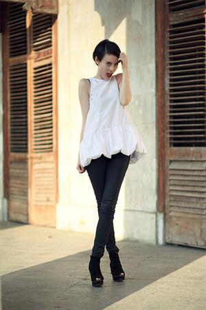 white Let them starecom blouse - black Mango boots - black Mango jeans