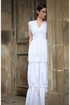 white wwwletthemstarecom dress