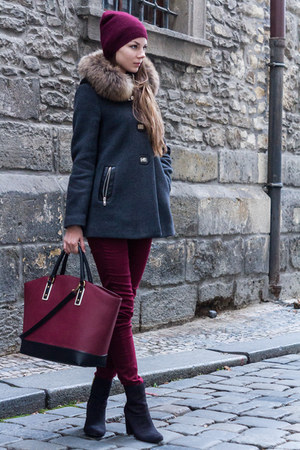 crimson Zara bag - black H&M boots - crimson H&M hat - dark gray SANDRO cape