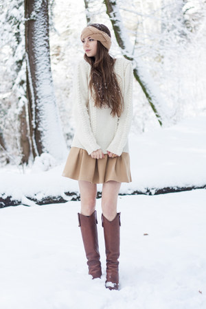 off white Claudie Pierlot sweater - light brown D&amp;G boots - tan H&amp;M hat