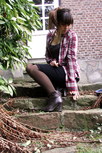 red pull&bear shirt - brown LaRedoute blouse - blue She skirt - green Nature ear