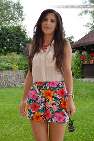 hot pink Zara necklace - white H&M shirt - green H&M shorts
