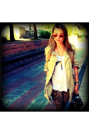 brown BLANCO leggings - Guess bag - carrot orange Ray Ban sunglasses