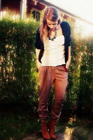 Amisu cardigan - Tally Weijl pants - Amisu shoes - Ann Christine top - H&M neckl