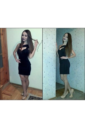 black dress - camel heels