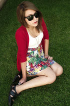 red amelias sweater - green Rue 21 dress - gold Forever 21 necklace - black Rue