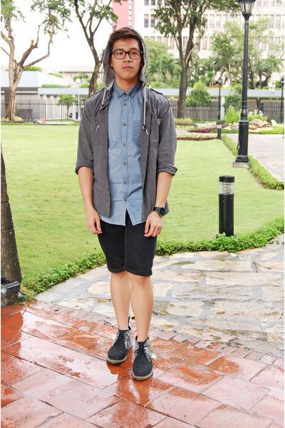 black Dr Martens boots - blue cotton on shirt - black Topman shorts