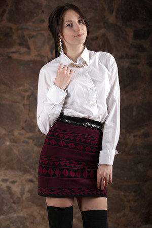 ruby red Promod skirt - black pull&bear blazer - off white Sangar blouse