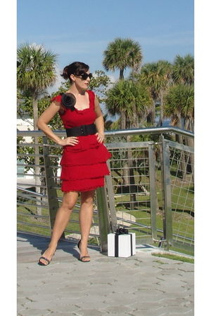 ann taylor dress - French Connection belt - Angeles Almuna Design accessories -