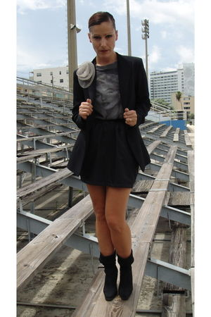Zara blazer - alloy t-shirt - American Apparel skirt - Angeles Almuna Design acc