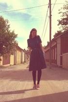 vintage dress - flee market bargain belt - flee market bargain heels