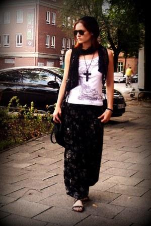 black FashionClub bag - dark gray Tollwood pants - white dateless top