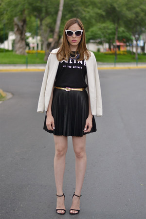 black Forever 21 skirt - white Urban Outfitters blazer - black graphic tee shirt
