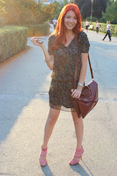 bubble gum Zara sandals - black flower print Mango dress - crimson Zara bag