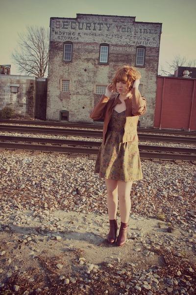 floral print free people dress - leather thrift jacket - burgundy H&M heels