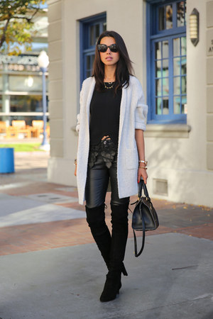 heather gray Gap cardigan - black stuart weitzman boots
