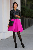 hot pink cameo skirt - black HUE tights - black Gucci bag