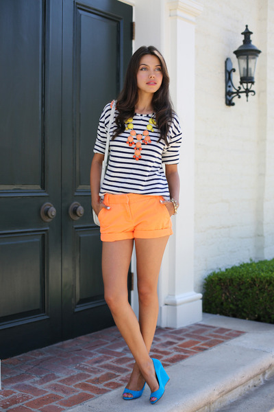 orange J Crew shorts - white Zara top - turquoise blue madewell wedges