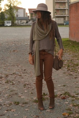 brown pants H&M pants - beige hat Topshop hat - light brown sweater H&M sweater