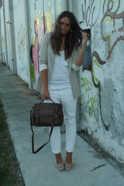 beige Zara blazer - white H&M top - white Zara pants - beige kanna shoes - brown