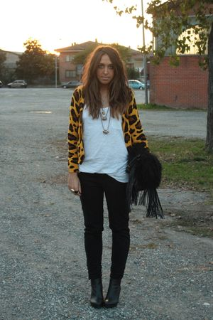 gold H&M cardigan - white H&M top - black Zara pants - black H&M boots - black R