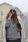Black-zara-bag-camel-zara-coat-silver-scout-hat