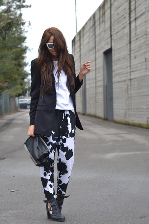 black asos boots - black Zara blazer - black Zara bag - white H&M sunglasses