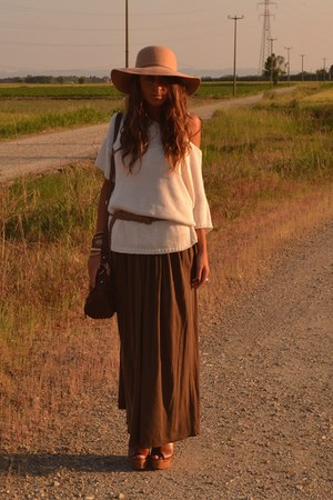 camel floppy hat Bershka hat - beige sweater H&M sweater - dark brown bag asos b