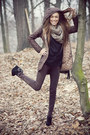 Brown-100-polyester-jacket-black-bag-brown-pants-black-suede-wedges