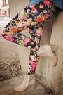 Bubble-gum-leggings-camel-coat-black-sweater