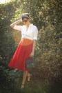 White-shirt-red-skirt-black-accessories