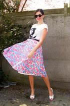 skirt - t-shirt - flats