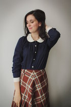 navy blouse - tawny skirt