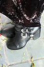 Black-skirt-blue-shirt-black-boots-silver-accessories