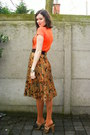 Burnt-orange-tights-dark-brown-clogs-carrot-orange-t-shirt-gold-skirt-ca