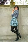 Blue-skirt-purple-sweater-blue-shirt-black-tights-black-shoes