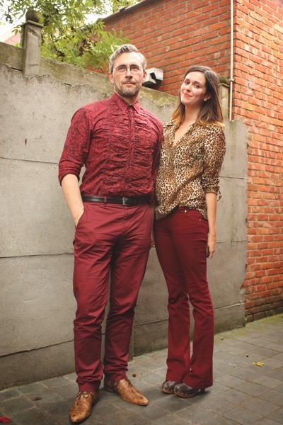 camel blouse - crimson pants - dark brown clogs