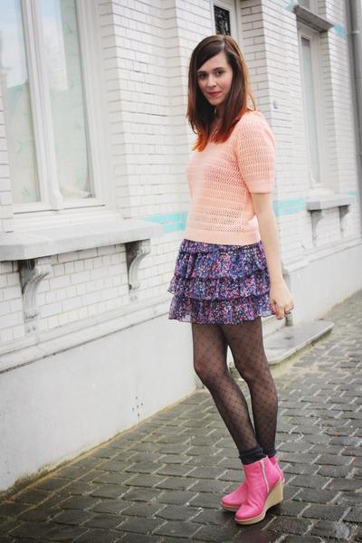 bubble gum boots - peach top - purple skirt