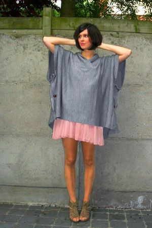 pink dress - beige shoes - gray Poncho coat