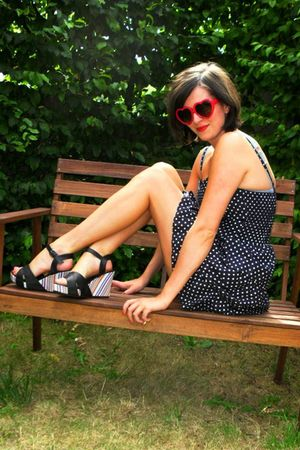 red glasses - black shoes - blue dress