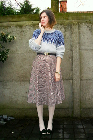 periwinkle sweater - off white tights - black belt - tan skirt - black heels - g