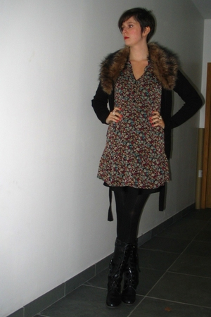 H&M sweater - Pimkie dress - Pimkie tights - Sacha boots
