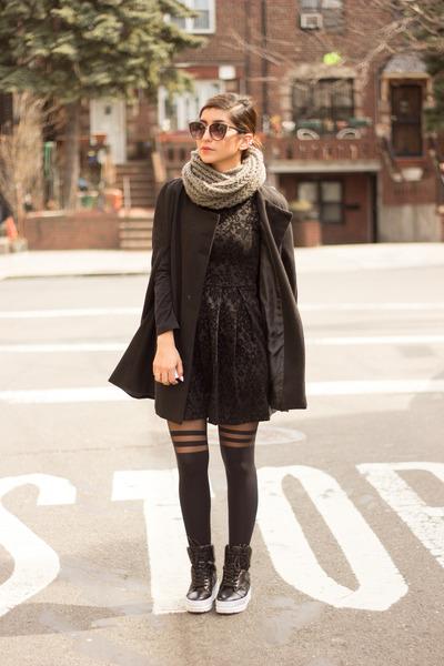 black dress - black coat - black Forever 21 socks - black sneakers