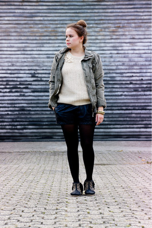 Zara boots - by my brother H&amp;M jacket - Zara shorts - OASAP jumper