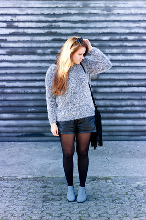 OASAP sweater - River Island boots - Zara bag - Zara shorts